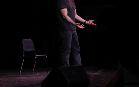 One-man show resonates with teens
