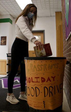Service clubs inspire holiday spirit